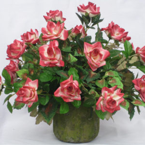 pink_roses_in_rustic_container