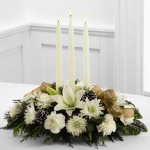 Candlelight_Centerpiece_floral_arrangement